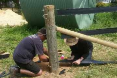 Fast-Horse-Fence-Installation-straingin-post