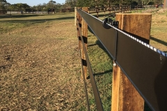 Black-Steel-Brackets-for-Horse-Fence-480640