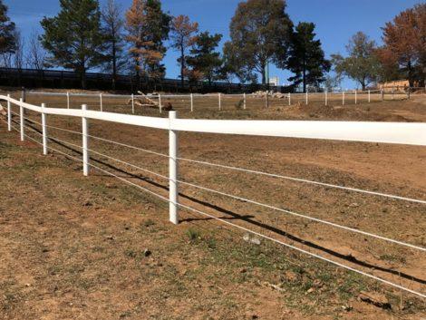 plastic fence post - white